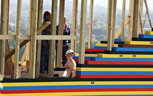 Casa din LEGO a lui James May - 01