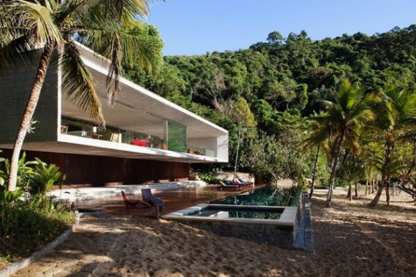 The Paraty House by Marcio Kogan Architects - 03