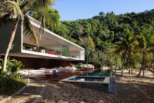 The Paraty House by Marcio Kogan Architects - 03