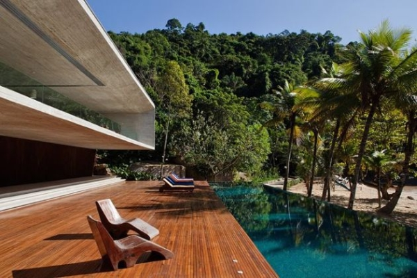 The Paraty House by Marcio Kogan Architects - 05