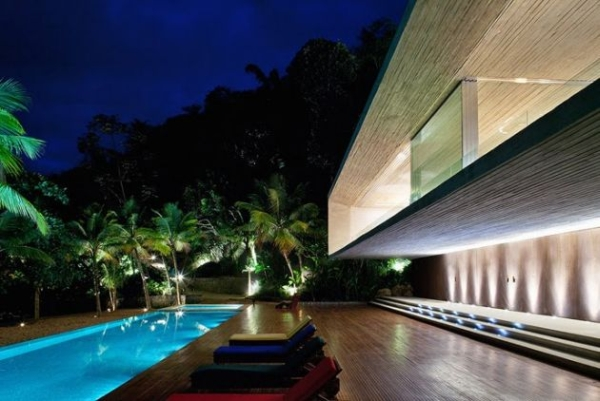 The Paraty House by Marcio Kogan Architects - 07