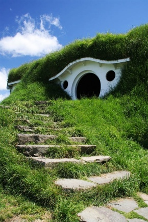 "[ hobbiton ""Lord Of The Rings"" ]]"