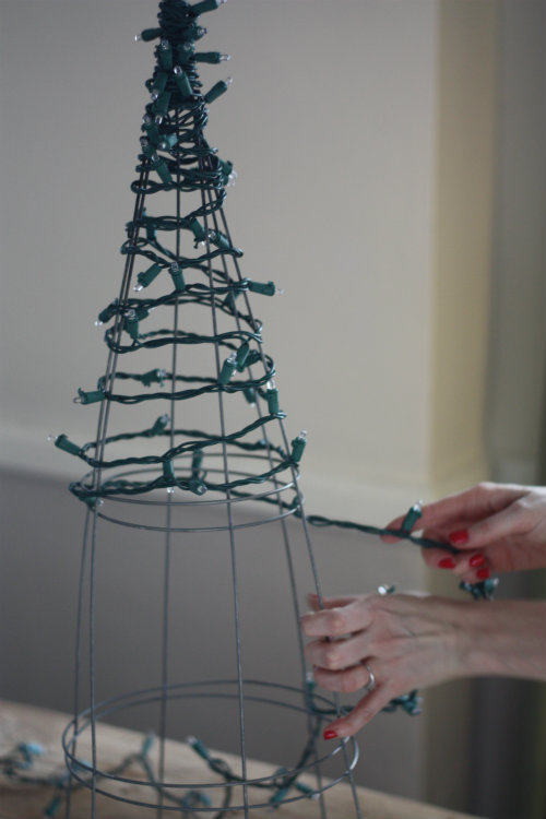 Tomato Cage Christmas Tree Lights7